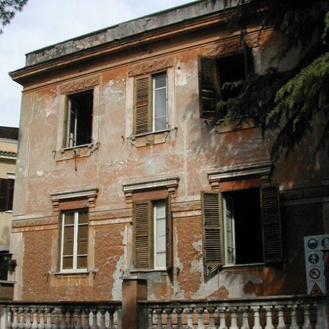 Roma – Via Iglesias – restauro cornici e modanature